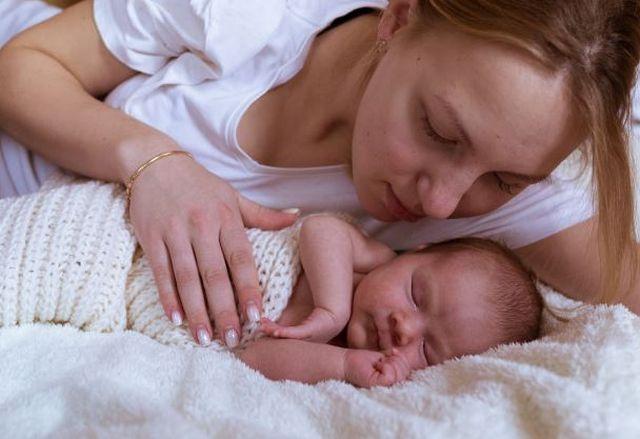 Jak dbać o oczy, nos i uszy niemowlaka?
